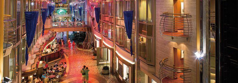 クルーズ+航空券+ホテル 79,000円から シンガポールクルーズ 6日間