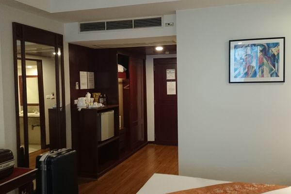 タイパンホテル